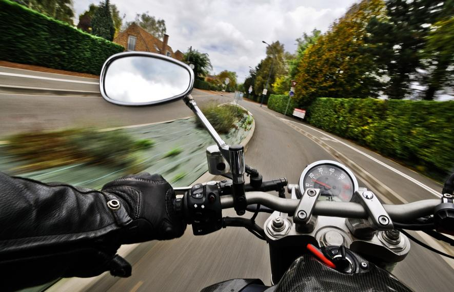 moto sur route