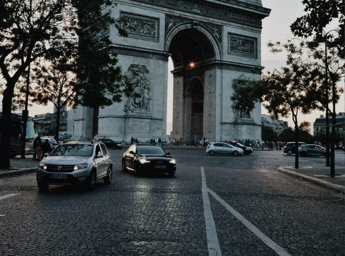 Distance de sécurité en ville - Article par Franck Cohen