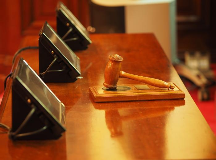 comment s exprimer devant un juge
